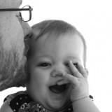 Takmičenje tata u brzom povijanju beba