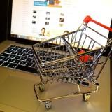 Kako do povrata PDV-a za roditelje koji kupuju online?