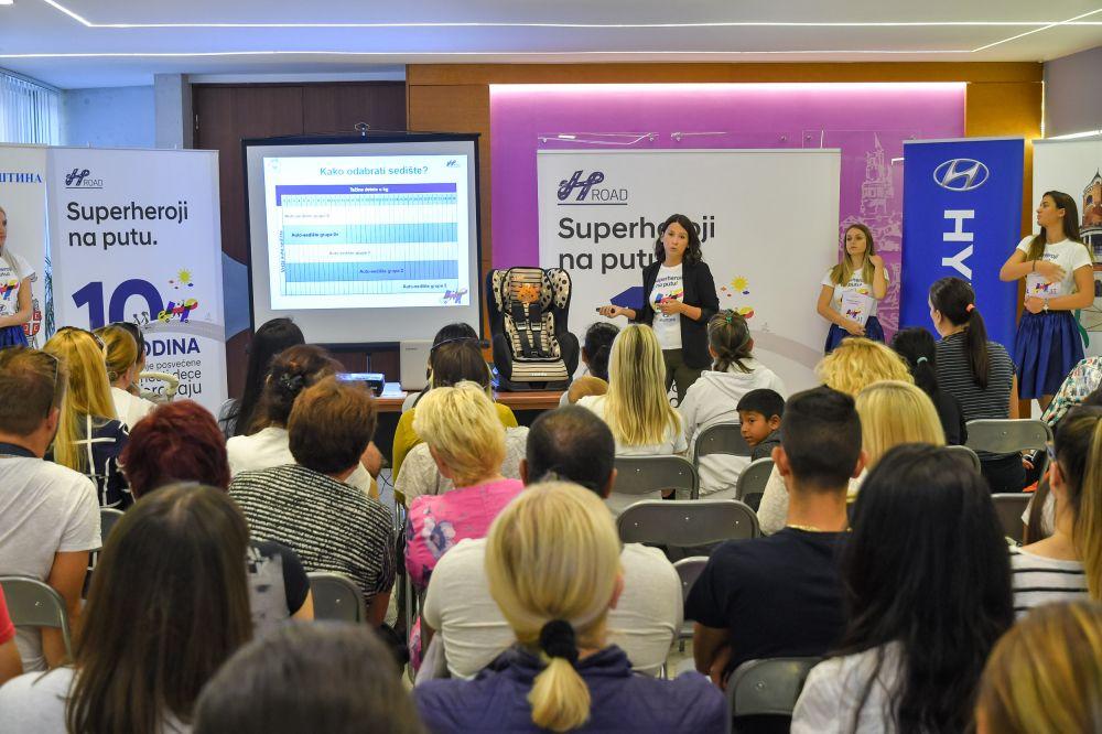 Obuka za pravilnu upotrebu dečijih autosedišta - Opština Zemun